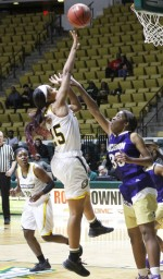 Losing streak continues for women's basketball