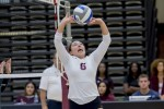 Women's volleyball leaves record at 4-10