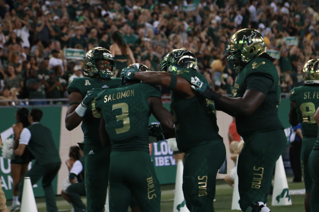 USF stays undefeated despite another slow start