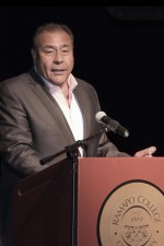 John Quiñones speaks at Ramapo's Diversity Convocation