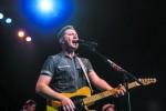 American Idol winner returns to country music scene