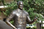 Lee Roy Selmon statue unveiled