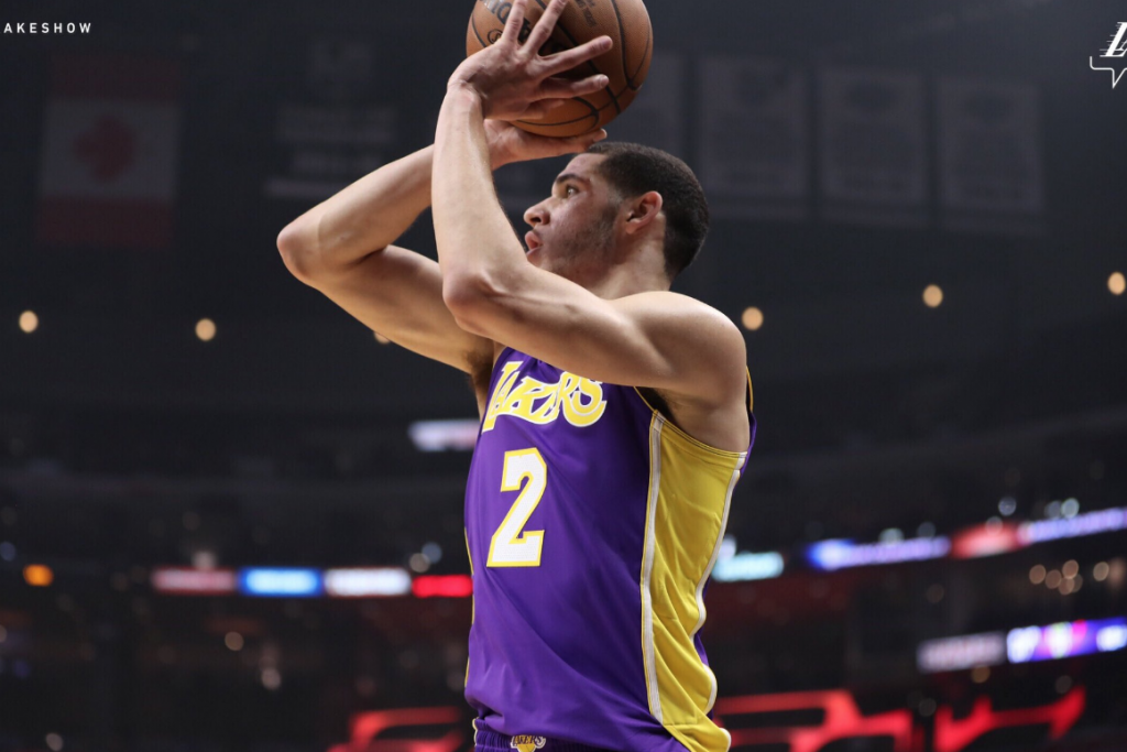 Lonzo drops the ball while taking heat for his father