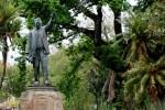 Oppressive statues don't budge despite pressure