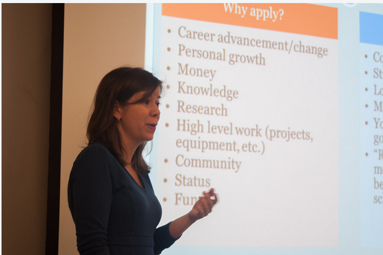 Cahill Center Offers Workshop on Graduate Schools