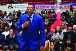 Titans retire #24 of NBA champ Curerton