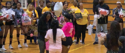 Volleyball team splits on Senior Night
