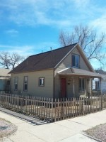 2 bedroom house 2 blocks from campus